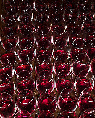 Red-Wine-glasses2